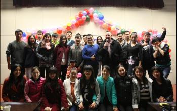 研究生部成功举行万圣节英语主题晚会