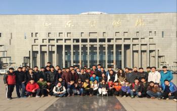 我系组织学生参观山东省博物馆