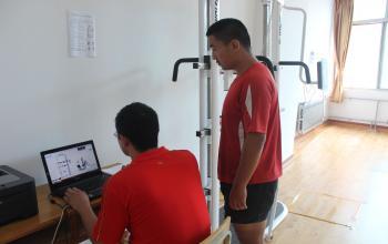 全身等长肌力检测系统---躯干前屈、后伸测试