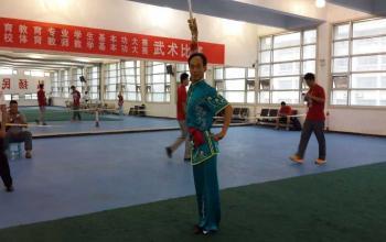 我校教师张启华获得山东省高校体育专业教师基本功大赛武术比赛冠军