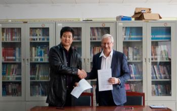 我院与丹麦葛莱体育运动教育学院签署合作备忘录
