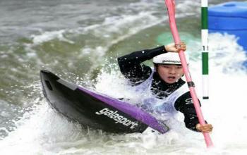 山东体育学院学子任烨获第十三届全运会激流回旋项目女子皮艇银牌