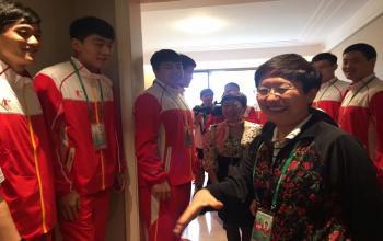 王随莲副省长看望十三运手球运动员 山东体育学院学子张继伟、校友王旭东等受到接见