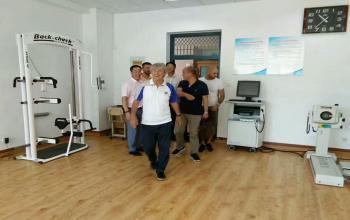 国家足球学院首席技术顾问米卢先生参观我院竞技体能训练中心