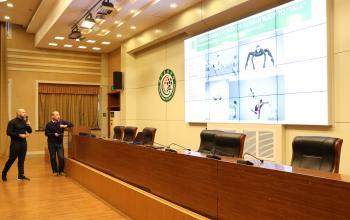 米卢团队首席教练为足球学院师生做专题讲座