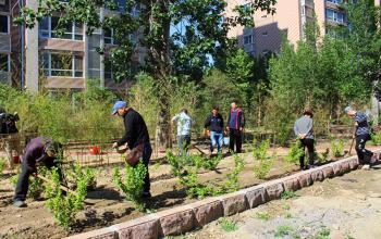 基建处组织党员干部赴社区开展服务活动
