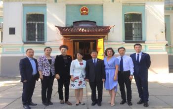 党委副书记张云龙率团访问乌克兰、立陶宛招揽国际人才