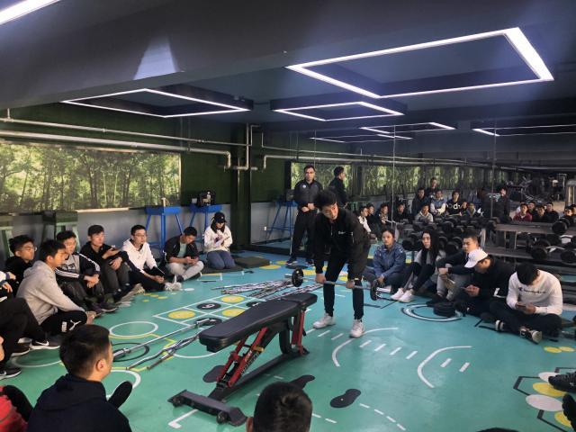 刘辰宇老师在进行抗组技术讲解